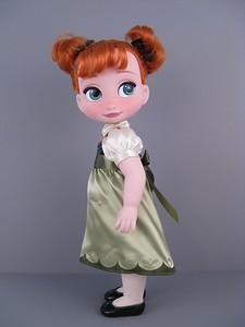 Кукла маленькая Анна. Фотообзор