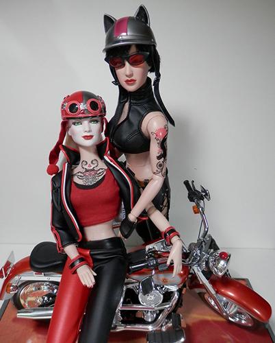 12 кукол с татуировками