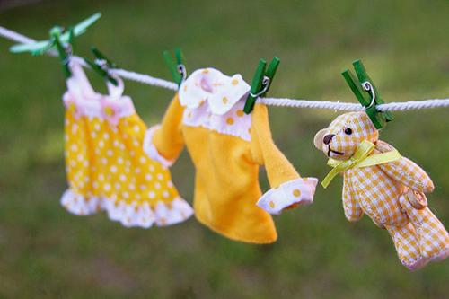 Как безопасно чистить одежду для кукол