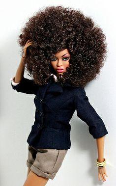 Как ухаживать за кудрявыми волосами кукол
