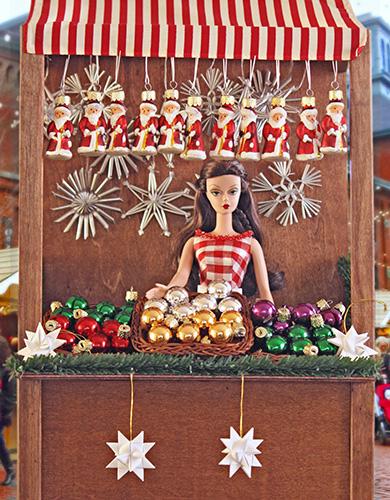 Фейерверк новогодних кукол