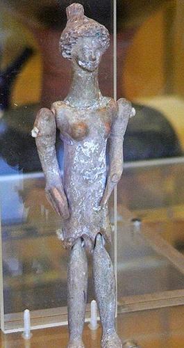 Кукла из металла. Греция