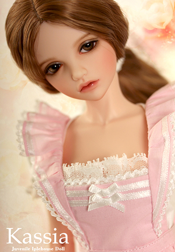 Кукла Iplehouse Kassia (Иплхаус Кассия с персиковым цветом кожи)