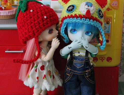 Куклы бжд Лати Хару (справа)  и ПукиФи Флора (слева)