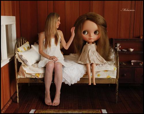 С куклой Блайз