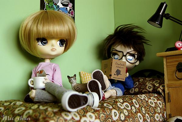 Слева кукла Дал, справа кукла Исул
