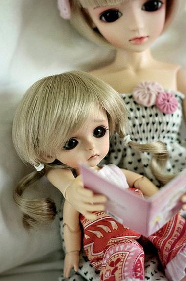 Куклы бжд. Слева Лати Хару базовая
