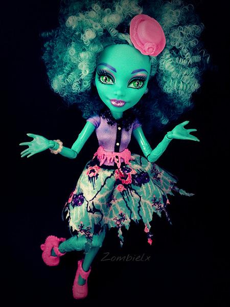 Кукла Monster high страх камера мотор Хантливуд Хани Свамп