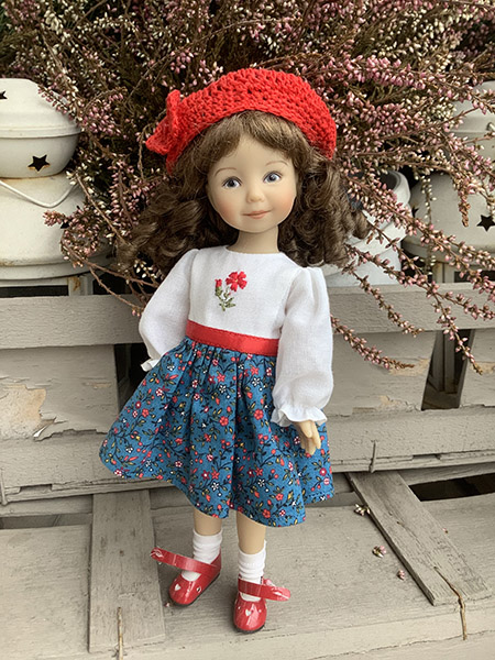 кукла Хартсринг Красная Шапочка