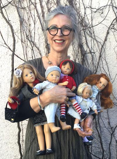 Сильвия Наттерер со своими куклами